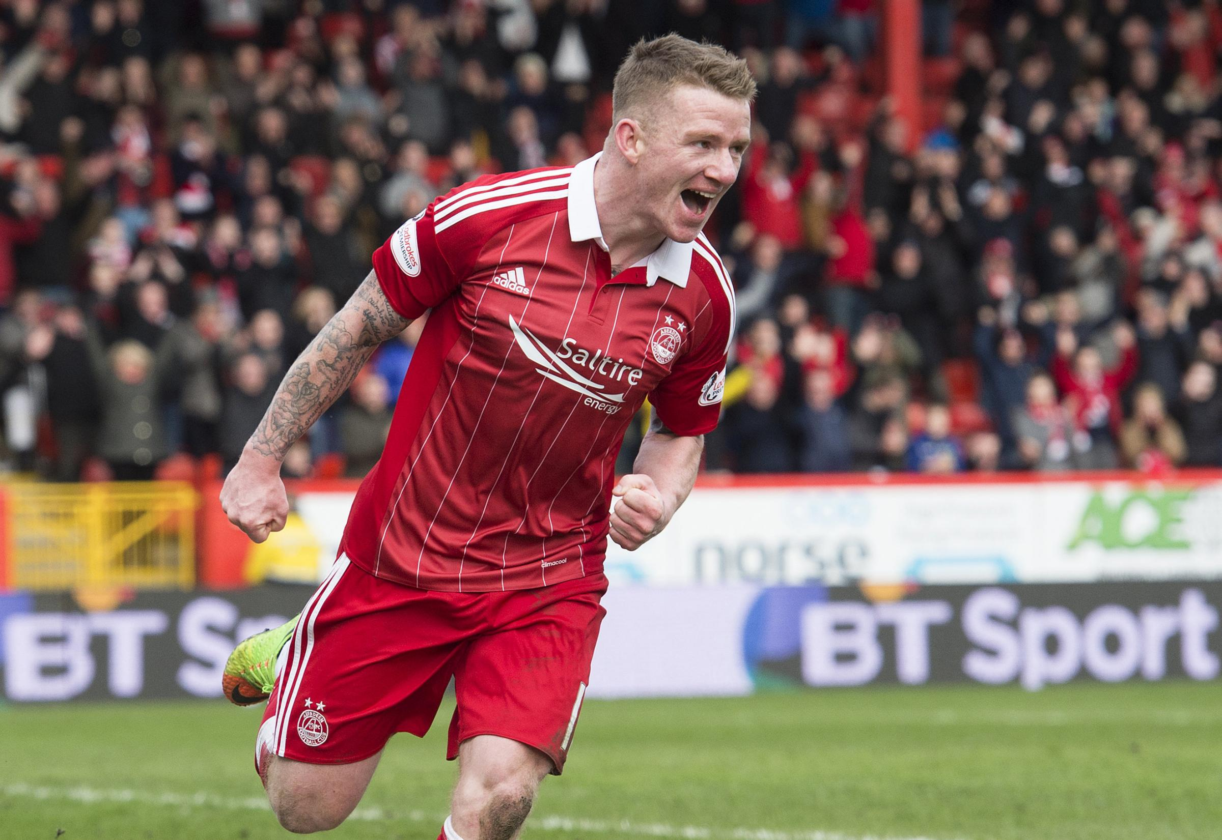 Celtic sign winger Jonny Hayes from Aberdeen