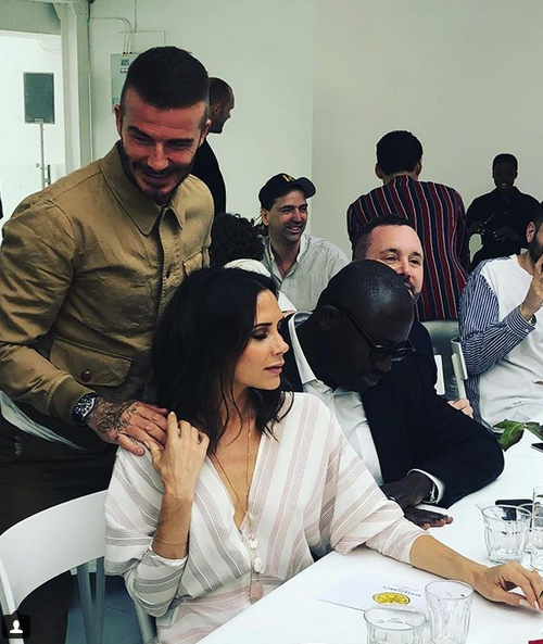 Amid bizarre divorce rumours, Victoria Beckham posts family snap on Instagram