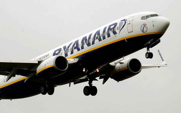 Ryanair to start charging for cabin bags